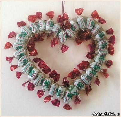 Администратор.  Сообщений: 41 433.  Поделки к Дню святого Валентина: валентинка из конфет.  Записан.  Радуйся жизни.